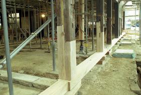 修理 柱の補修
