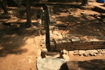 石組排水施設(西から)