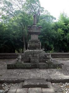 瑤林院の墓