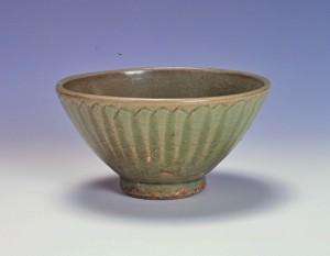 青磁碗(鎬蓮弁文)