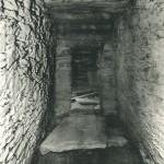 天王塚古墳 羨門と扉石